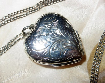 Four Photo Heart Locket Necklace Sterling Silver 24 Inches Chain  19g