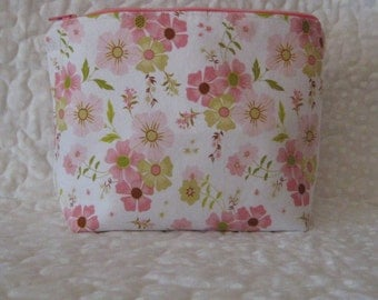 Essential oil travel pouch, EO bag, pink flower fabric, essential oil bag