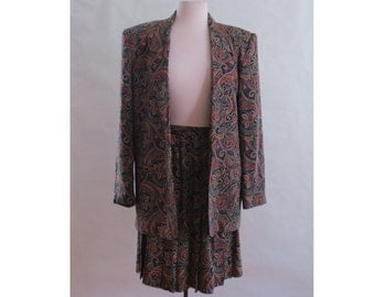 WINONA // paisley print 80s or 90s pleated skirt suit set