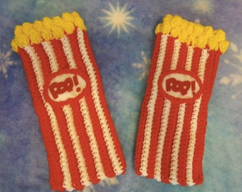 crochet gloves fingerless  box of popcorn with butter movie star.