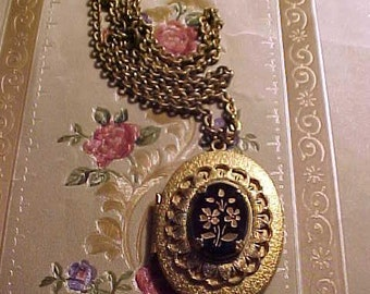 Vintage 40s LOCKET Necklace Blk Glass Front VICTORIAN Inspired HOPELESS Romantic