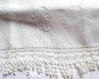 Vintage Embroidered Damask Table Runner Towel - Monogram Crochet Fringe Trim - 20 x 50