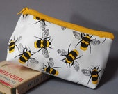 Leather makeup bag, Leather Make Up bag, cute makeup bag, cosmetic bag, cosmetic case, cosmetic pouch, pencil case, bee, bees print