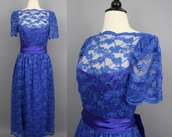 vintage 70s Lace Dress / 1970s Blue Purple Embroidered Floral Lace Net Party Occasion Dress with Bow Sash / Medium