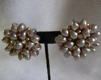 Vintage faux pink pearls earrings
