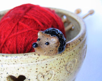 Alfred, the hedgehog yarn keeper / bowl in speckled yellow, IN STOCK