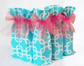 Wedding Wine Bags, 5 pack set, Bottle Bags, Aqua and Peach, Mid Century Modern Design, Wedding Party Gifts, Wine Gifts, Hostess Gifts