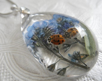 Best Friends-2 Ladybugs,Sky Blue Forget-Me-Nots Glass Teardrop Pressed Flower Pendant-Gifts Under 35-Symbol Remembrancce, True Love,Memories