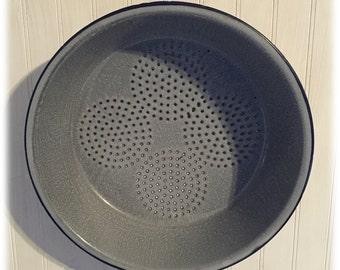Flat Graniteware Colander Gray Tonal Spatter Enamelware Circulare Pierced Design Farmhouse Chic Functional Decor