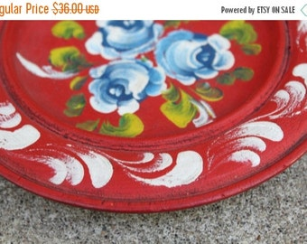SALE SALE SALE Vintage Wooden Plate Rosemaling Bauernmalerei Bavarian Folk Art Tole Hand Painted Roses Floral Red White Blue Green Home Deco