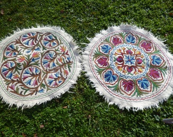 2 Felt Rugs Kashmir. Embroidered Round 3 ft diameter Wool Namda Kilim/Rug/Mat.  98 cm