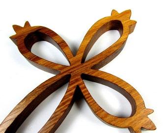 Cross / MID SIZE / Locust Wood