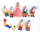 Snow White and the Seven Dwarfs Cake Toppers