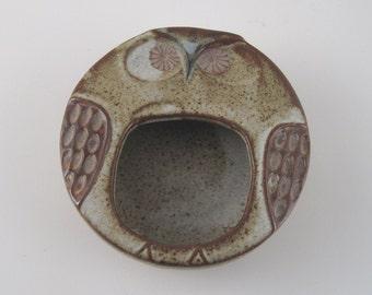 pottery owl ashtray - stoneware owl ashtray - annoyed owl - owl coin dish - owl trinket dish - owl jewelry dish - owl bowl - humorous owl