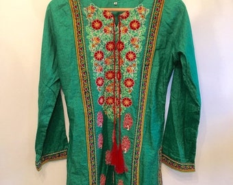 ON SALE Green Indian Cotton Top • Indian Embroidered Tunic • Bohemian Rare  Tunic