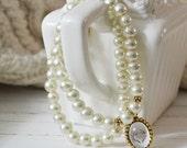 Women's Preppy Glass Pearl Double Beaded Charm Bracelet - Gold Antlers