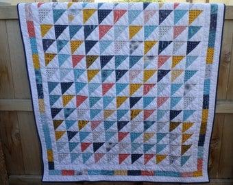 Figures Lap Quilt - Triangles Patchwork - Signature Quilt