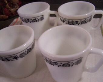 Vintage Pyrex Coffee Mugs/Cups, (4) Old Town Blue Onion, 1970s, Nice
