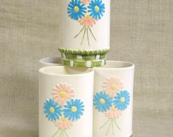 Ceramic Cup , Set of 4 , Mid-Century , Ceramic , Beverage Cup , Flowers , Floral ,Daisies ,Drinkware ,Drinking Glass ,Ceramic Glasses, Cups