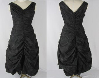 50s Date Dress L Black Taffeta Shirred Bodice Ruched Hem Plunging Neckline Metal Zip