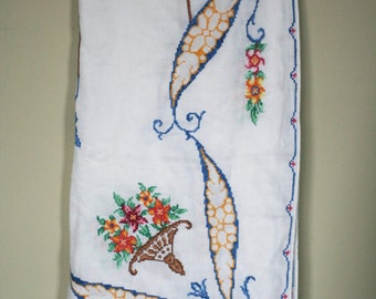vintage embroidered white linen table cloth