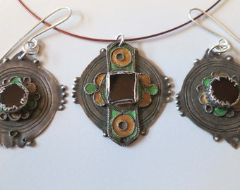 Vintage Moroccan Berber silver Ida ou Nadif enamel and glass pendant plus matching earrings, gift for her.