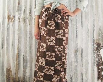 Vintage 70's Tribal Batik Maxi Skirt / Earth Tones Handmade Ethnic Skirt / Boho Hippie Women S / M