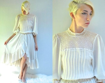 Boho Wedding Dress  //   70s Wedding Dress // THE LENORA