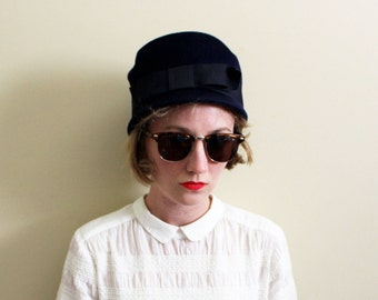 vintage hat 50's navy blue wool bow cap flapper 1950s womens accessories
