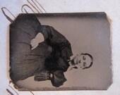 antique miniature tintype photo - gemtype - woman sitter, unique pose - late 1800s photo - gte72
