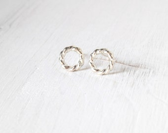 Open Circle post earrings in silver twisted wire / tiny round stud earrings in sterling silver / minimalist jewelry handmade