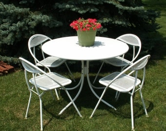 Vintage MCM Style Metal Patio Table and Four Chairs Outdoor Furniture Local Pick Up Only