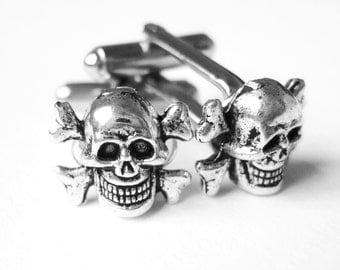Silver Skull Cuff Links - Halloween Cufflinks - Mens Skull Accessories - Skull and Crossbones Mens Pirate Costume - Gothic Gifts For Him