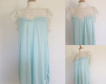 ON SALE Vintage 80s / Jaclyn Smith / Ice Blue / Lace / Boudoir / Babydoll / Lingeire / Nightie / Nightgown / Medium