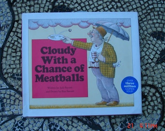 Cloudy with a chance of Meatballs written by Judi Barrett - Great Condition