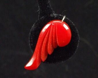 Vintage Pair Art Deco Screw Back Christmas Red Bakelite Carved Wing Earrings ATCTTEAM TNTEAM