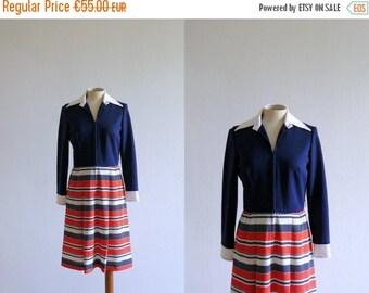 CLOSING SHOP 50% SALE / Vintage 1960s dress. Mod dress. Nautical dress. Blue and red dress