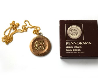 Vintage Leo Zodiac Horoscope Pendant With Box c.1970s