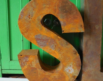 """Metal letter """"S"""" Industrial Standing Dimensional Box Salvage Aged Rustic 14 inch supplies"""