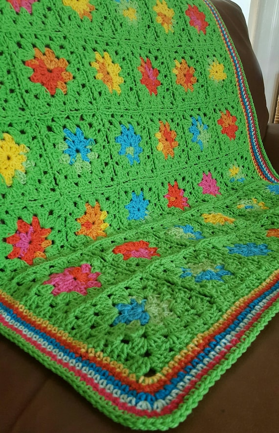 SummerTime Sublime Bright Green Granny Squares Blanket Afghan