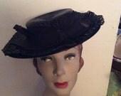 Vintage 1930s 1940s Hat Black Straw Ladies Tilt Boater New York Creation