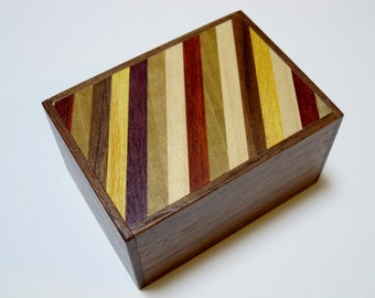 Japanese Puzzle box (Himitsu bako)- 90mm(3.5inch) 12steps Walnut wood / Stripes