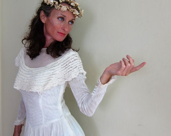 Vintage 1940s Wedding Dress in White Mesh with Ruffled Bodice / 40s Mesh Weave Bridal Gown Long Sleeved/ XS