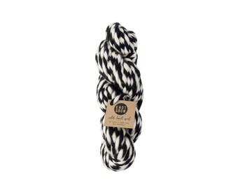 Black Color Twist Wool / 36 Yards