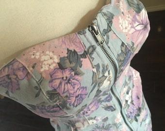 80s bombshell floral denim dress / 1980s mini dress / full zipper dress / size s m