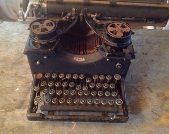 Vintage Royal Typewriter Photo Prop Decorating