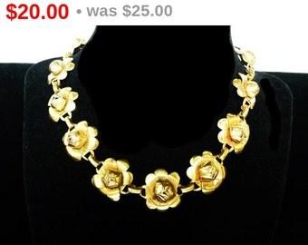 Vintage Rose Flower Choker - Goldtone Necklace in Floral Design - Inline Flower Link Design 1970's era