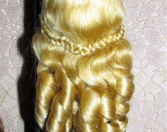 Mohair doll wig size 5-6 antique Victorian style very beautiful mohair