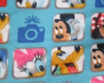 Mickey, Minnie,  Goofy, Donald, Daisy, Pluto Photos Couch Lap Nap Throw Coverlet