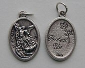 5 Patron Saint Medal Findings - St. Michael, Dragon, Die Cast Silverplate, Silver Color, Oxidized Metal, Made in Italy, Charm, RM607